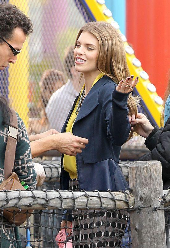 AnnaLynne McCord w żakiecie z paskinką (FOTO)