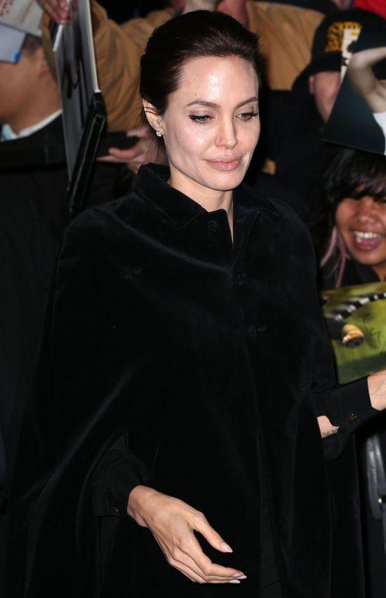 Angelina Jolie nie potrzebuje makijażu (FOTO)