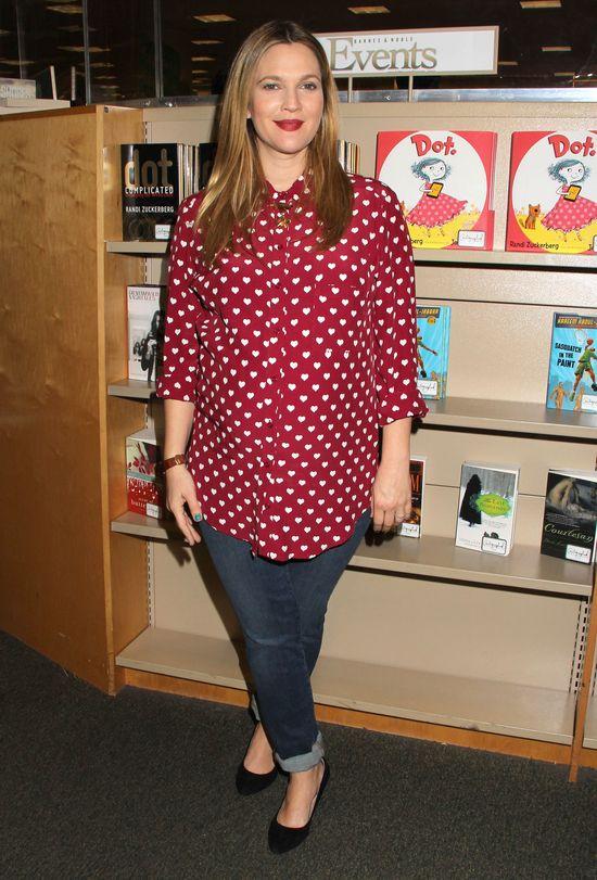 Drew Barrymore w ciąży wygląda kwitnąco (FOTO)