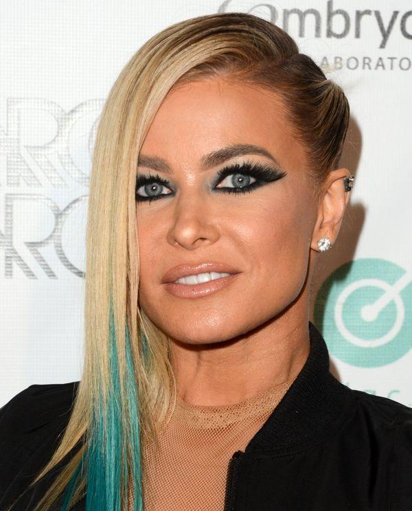 Carmen Electra zaszalała nie tylko z kolorem włosów i makijażem (FOTO)
