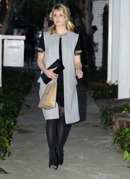 Dianna Agron w długiej kamizelce i z torebką Saint Laurent