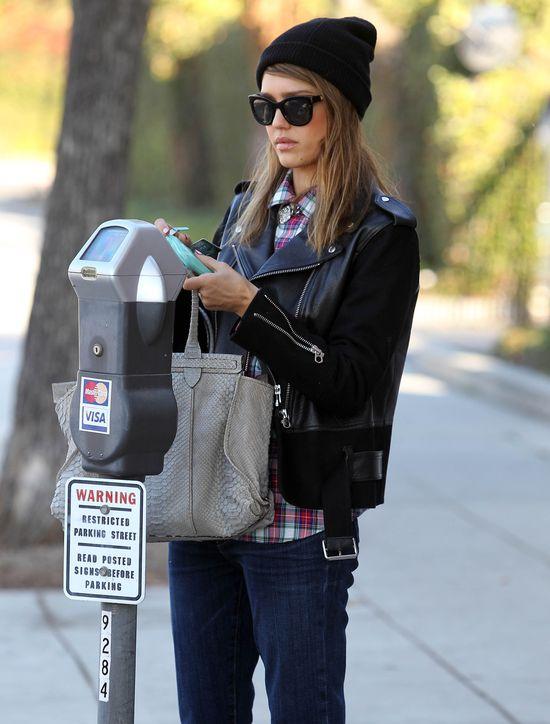 Jessica Alba vs Ashley Tidsale (FOTO)