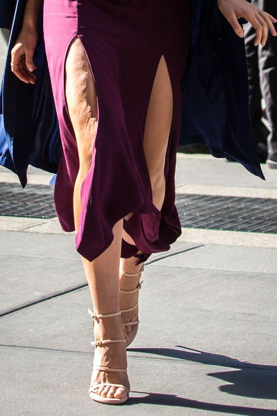Która znana i młoda modelka ma obwisłe uda? (FOTO)