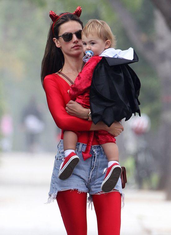 Alessandra Ambrosio i jej rodzinka z piekła rodem (FOTO)