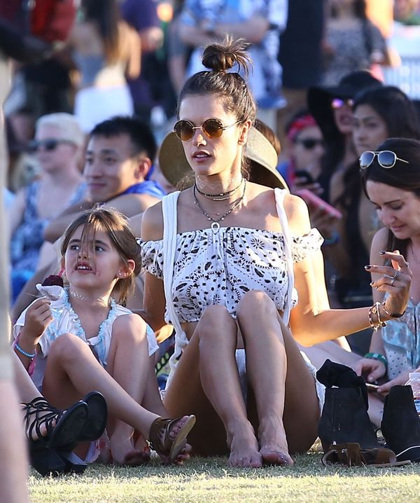 Tak Alessandra Ambrosio bawiła się na Coachelli ze swoją córeczką
