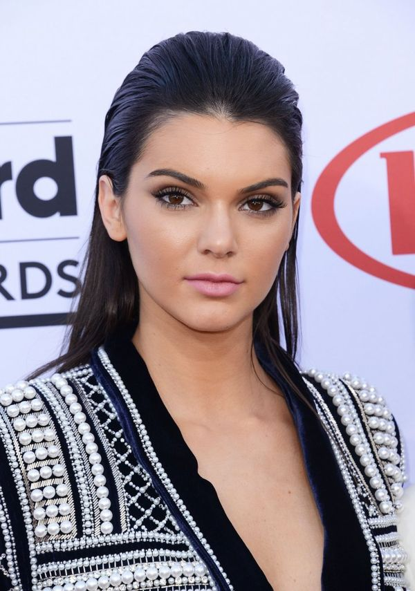 Kylie i Kendall Jenner na gali 2015 Billboard Music Awards