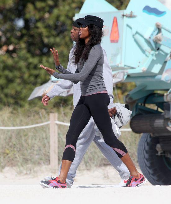 Naomi Campbell dba o zgrabną sylwetkę (FOTO)