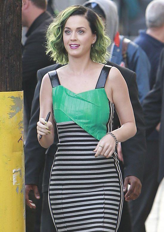 Zielonowłosa Katy Perry w Roland Mouret (FOTO)
