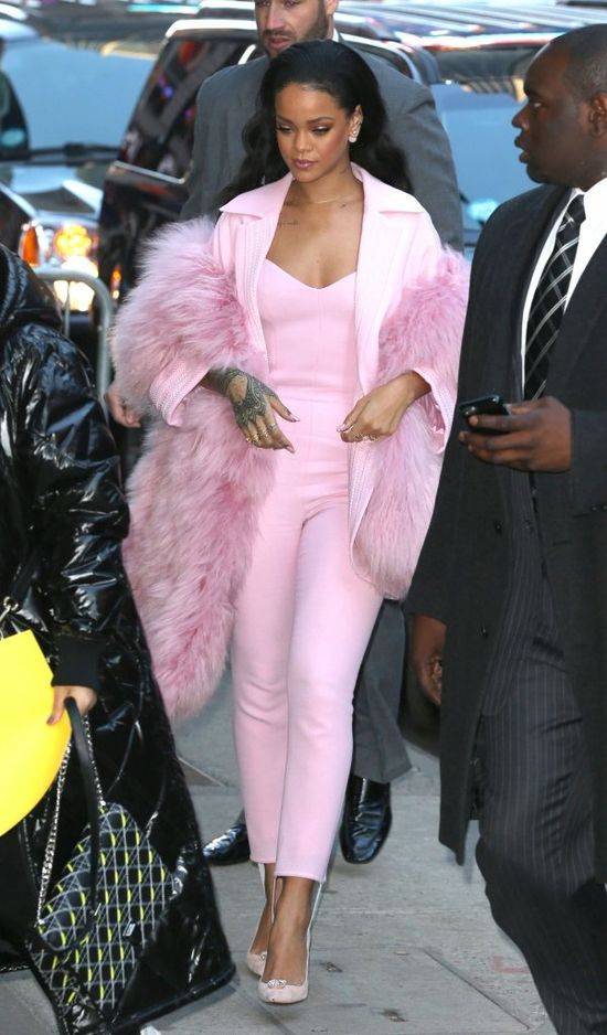 Rihanna cała na różowo (FOTO)