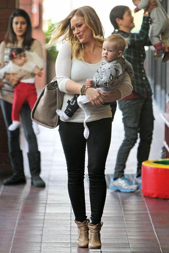 Smukła i zgrabna Hilary Duff (FOTO)