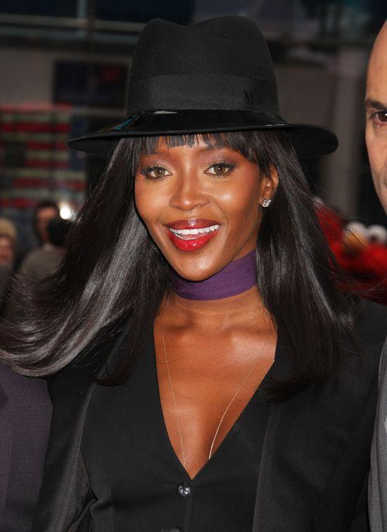 Zjawiskowa Naomi Campbell w garniturze (FOTO)