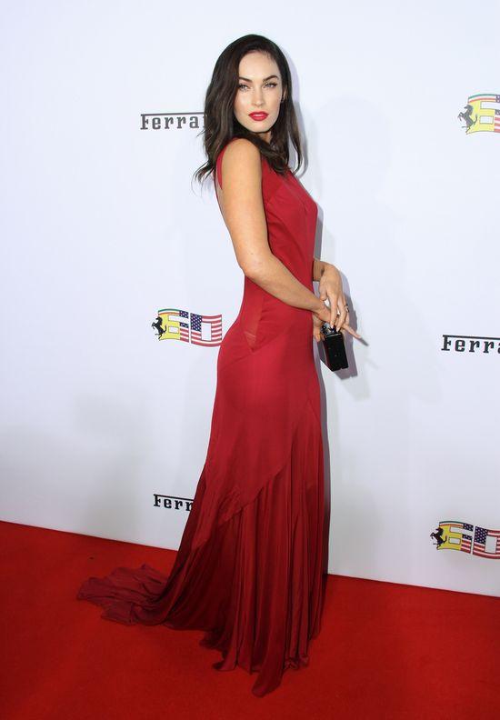 Skromna Megan Fox w Versace! (FOTO)