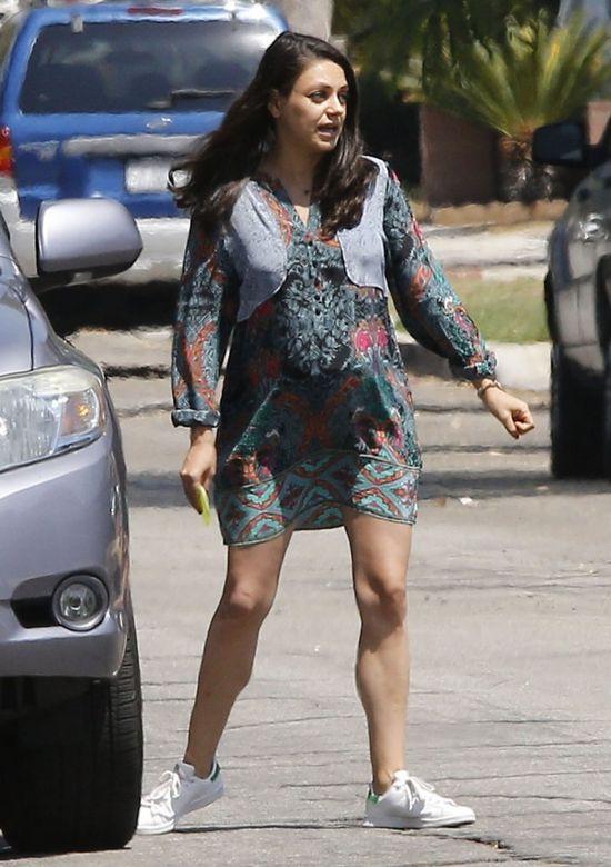 Mila Kunis sporo się zaogrągliła w drugiej ciąży (FOTO)