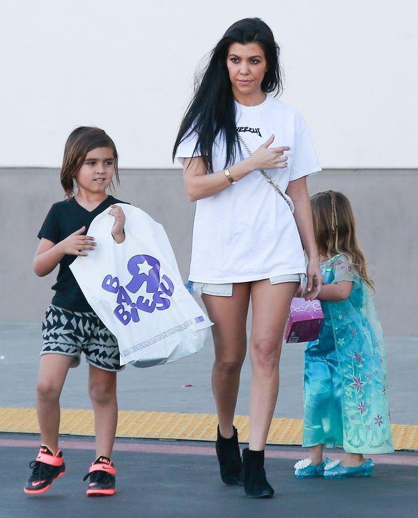 Kourtney Kardashian już nie zaskakuje swoimi stylizacjami?