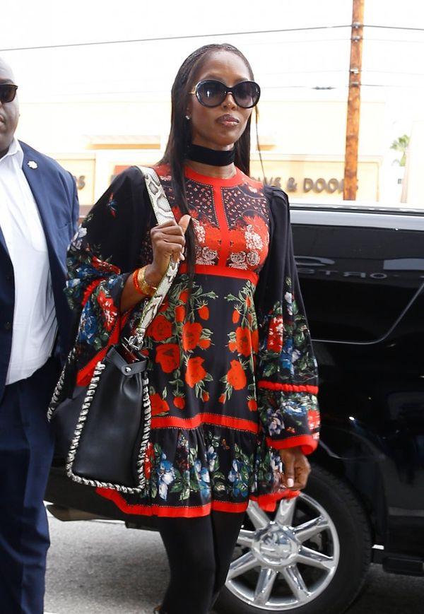 Musicie zobaczyć piękną sukienkę Naomi Campbell (FOTO)