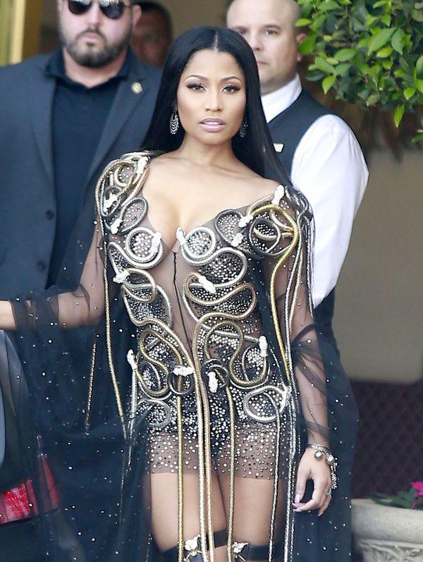 Nie tylko Kim Kardashian zaszalała z dziwną stylizacją... (FOTO)