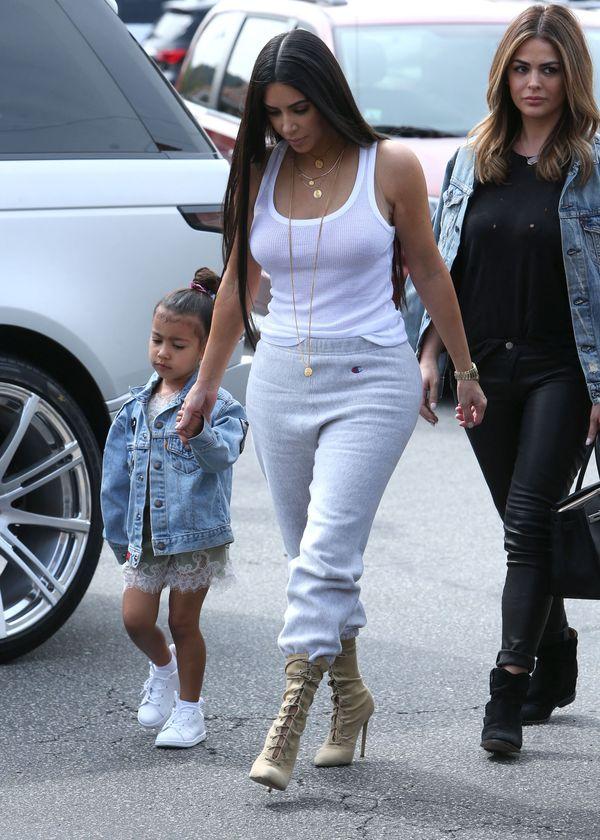 Ile kosztują buty Yeezy od Kanye Westa, które lansuje Kim i jej siostry? (FOTO)