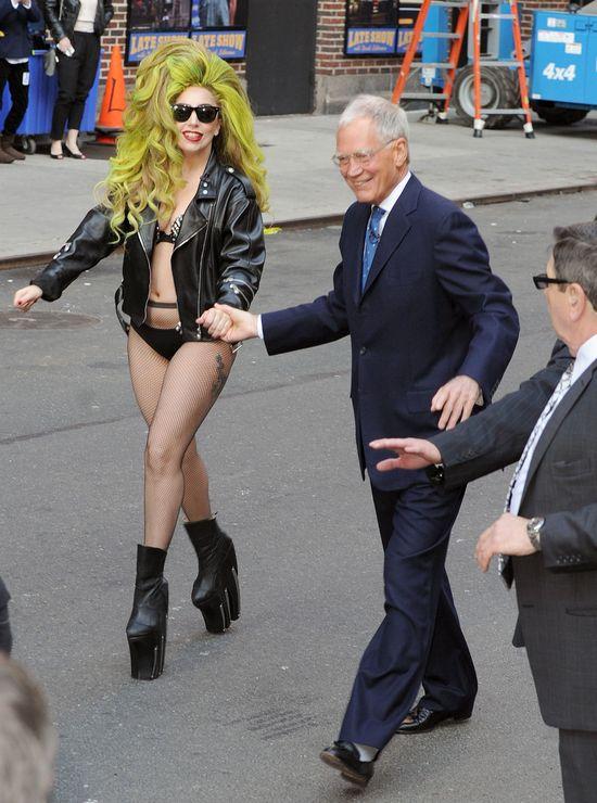 Co się stało z płaskim brzuchem Lady Gagi? (FOTO)