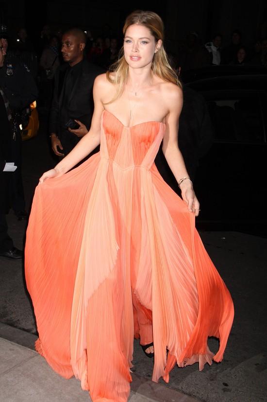 Plejada modelek na amfAR New York Gala (FOTO)