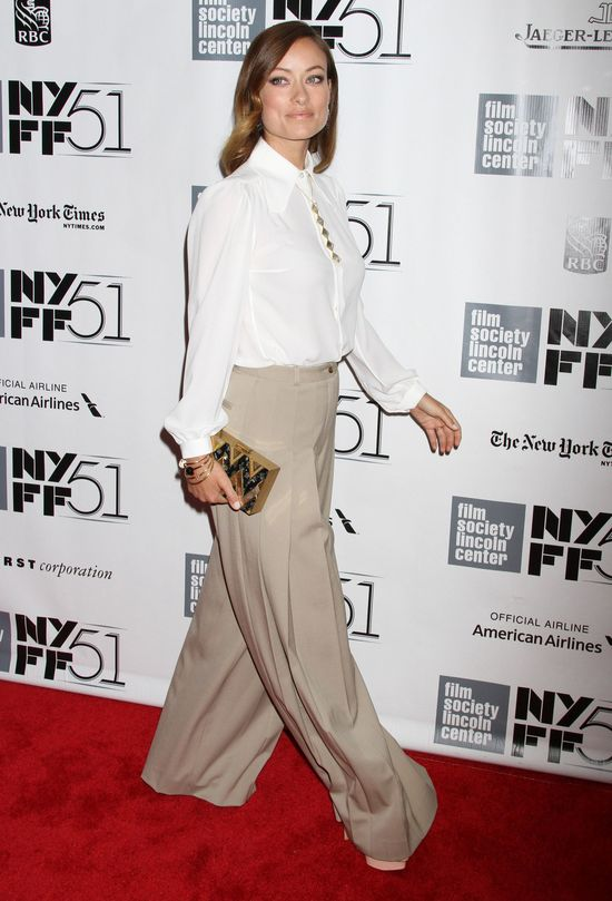 Olivia WIlde w zestawie od Michaela Korsa (FOTO)