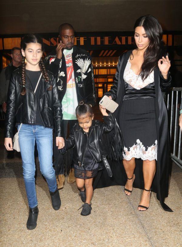 Kim Kardashian udowadnia, że wie, co to elegancja? (FOTO)