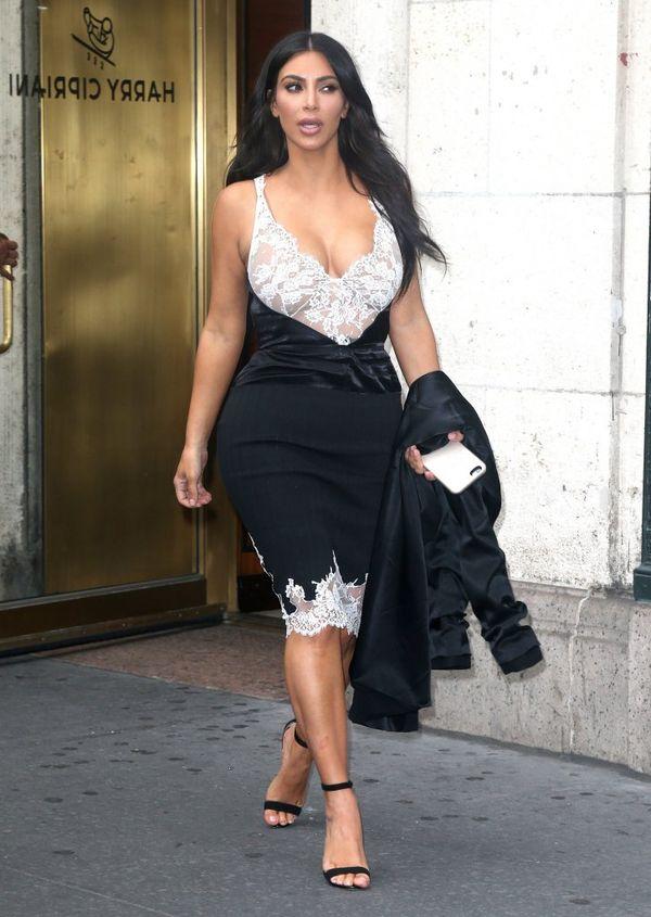Kim Kardashian znowu chwali się zgrabnym ciałem w bikini!
