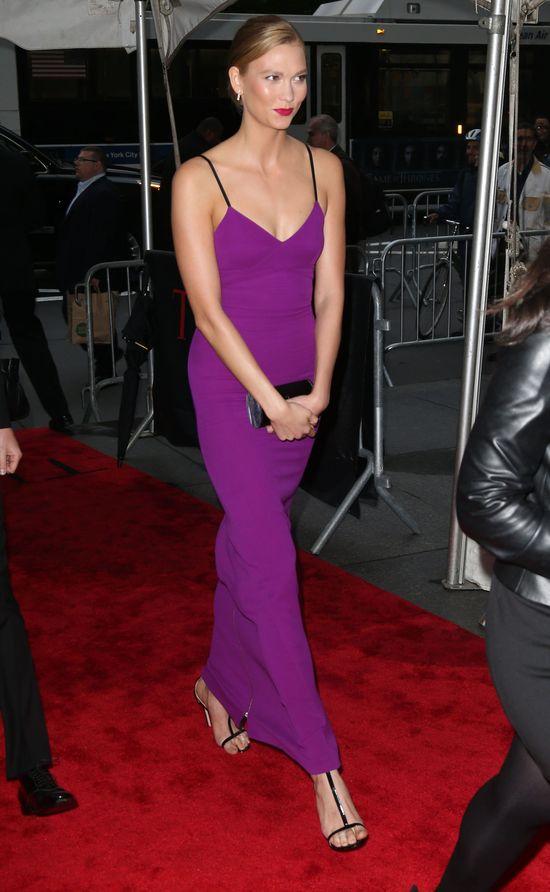 Karlie Kloss w sukience projektu Victorii Beckham (FOTO)