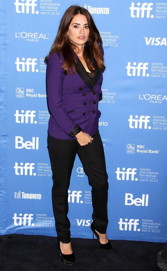 Penelope Cruz w garniturze na festiwalu w Toronto (FOTO)