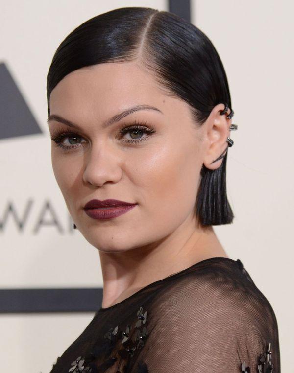 Makijaże i fryzury gwiazd na rozdaniu nagród Grammy (FOTO)