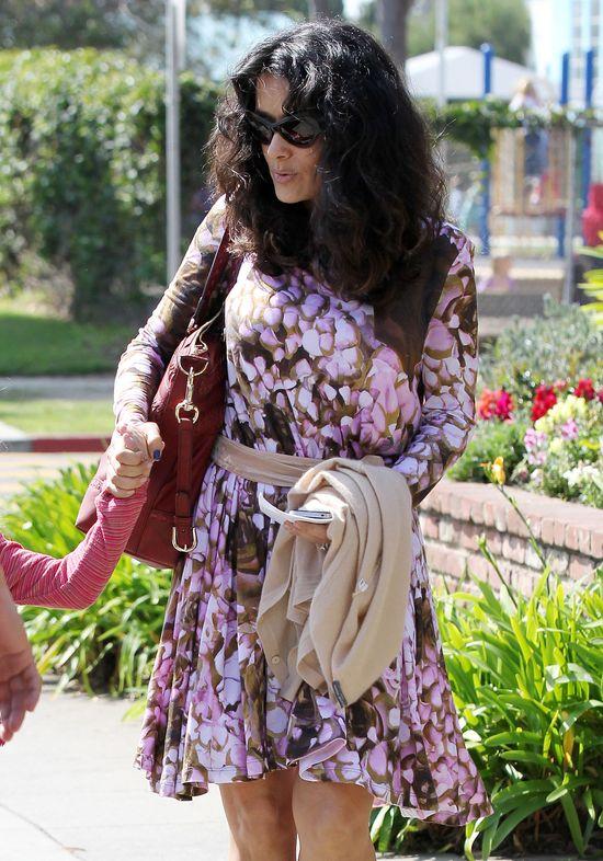 Salma Hayek w sukience od Alexandra McQueena