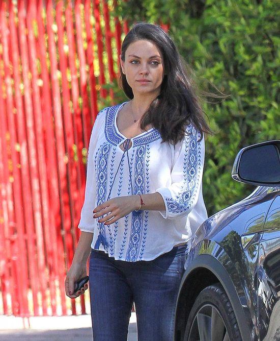 Mila Kunis vs Olivia Wilde - która przyszła mama nosi się lepiej? (FOTO)