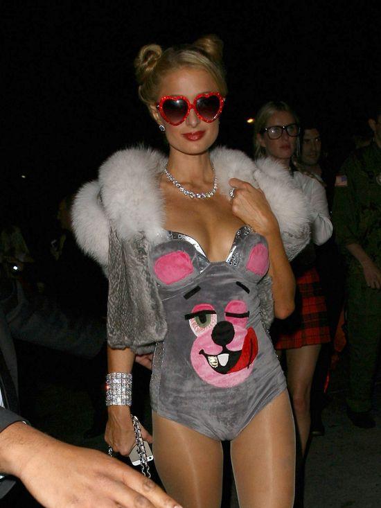 Paris Hilton przebrała się za Miley Cyrus (FOTO)