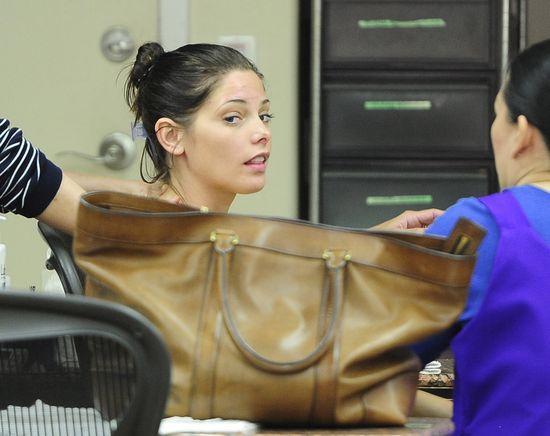 Ashley Green i Julianne Hough w salonie piękności (FOTO)