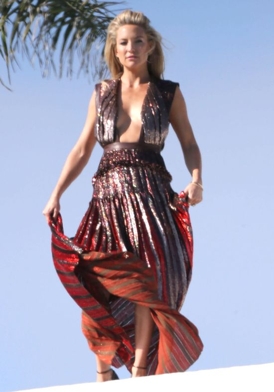 Kate Hudson za kulisami sesji zdjęciowej (FOTO)