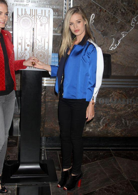 Georgia May Jagger w niebieskiej kurteczce (FOTO)