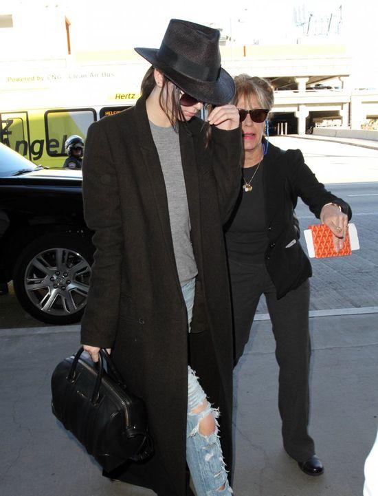 Kendall jak połączenie Kim Kardashian i Michaela Jacksona?