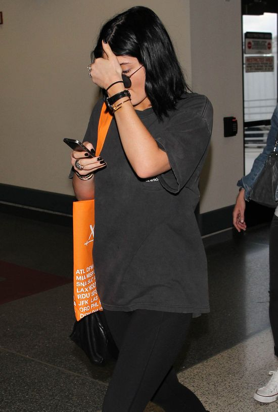 Gdzie sie podziały usta Kylie Jenner?! (FOTO)