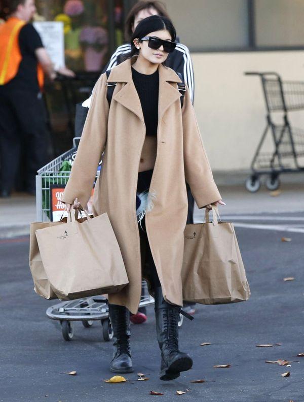 Kylie Jenner podkrada ubrania swojej starszej siostrze, Kim?