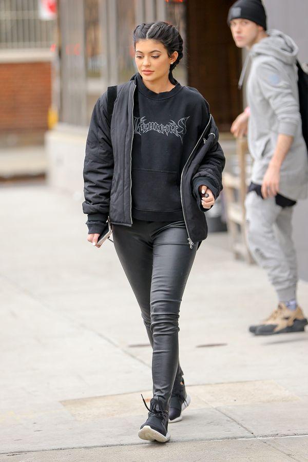 Kylie Jenner postanowiła zostać blondynką. Znowu (FOTO)