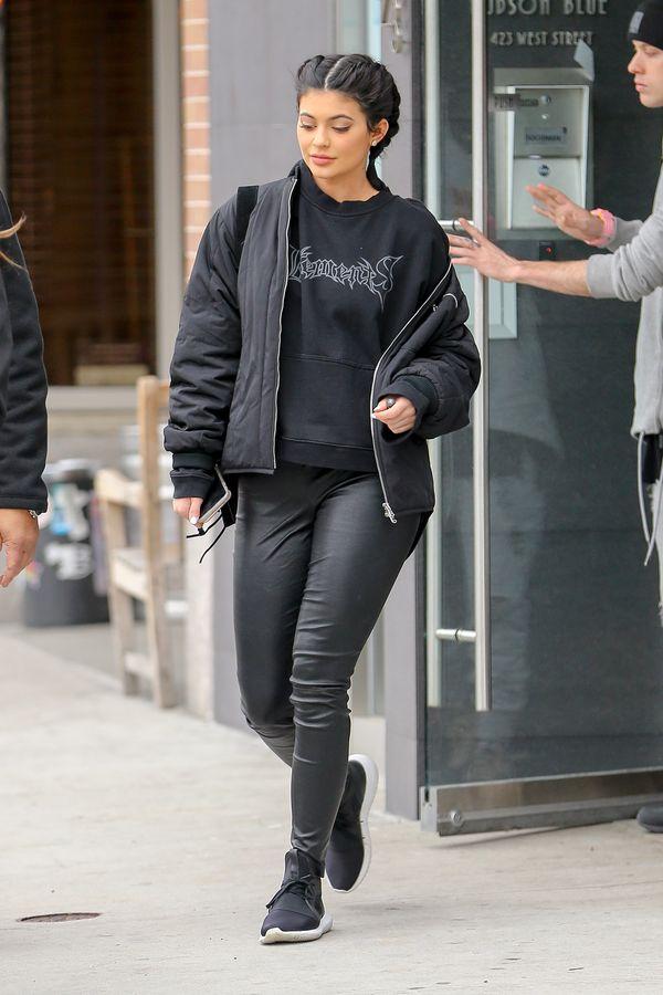 Kylie Jenner dementuje plotki na temat powiększenia ust