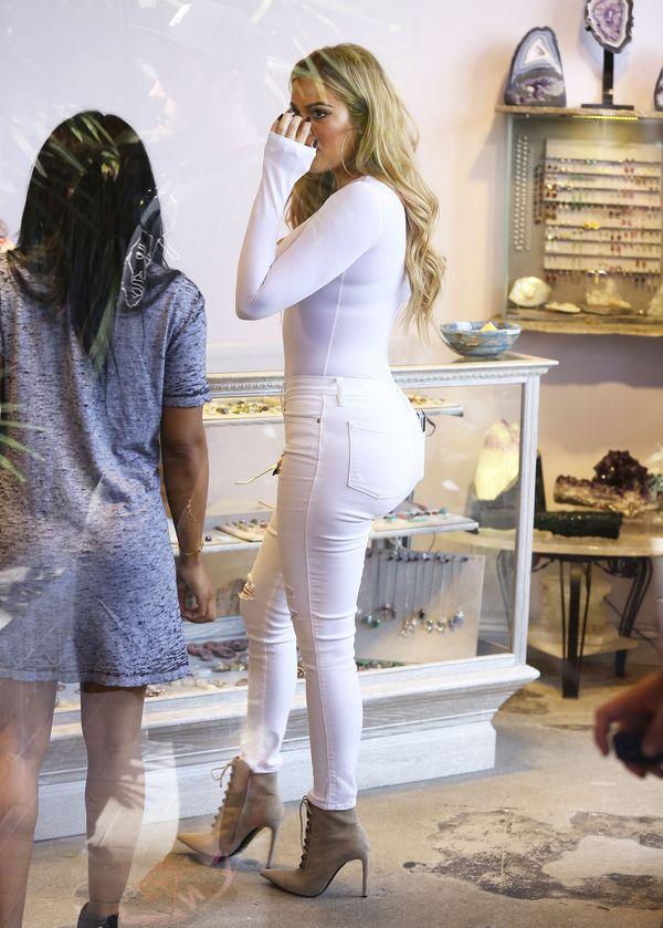 Dwie świetne stylizacje w wydaniu Khloe Kardashian (FOTO)