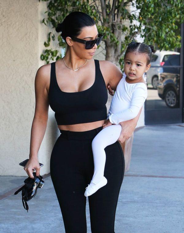 Kim Kardashian pozuje bez makijażu i sztucznych rzęs (FOTO)