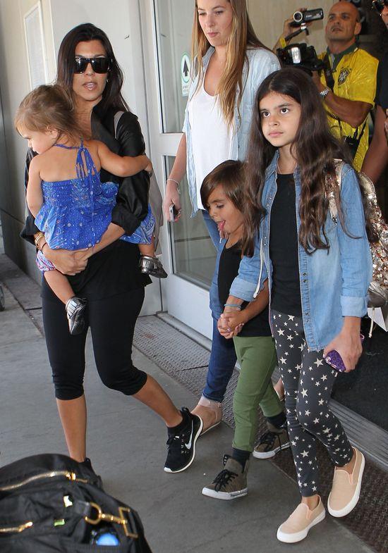 Kourtney Kardashian pokazała ciążowy brzuszek! (FOTO)