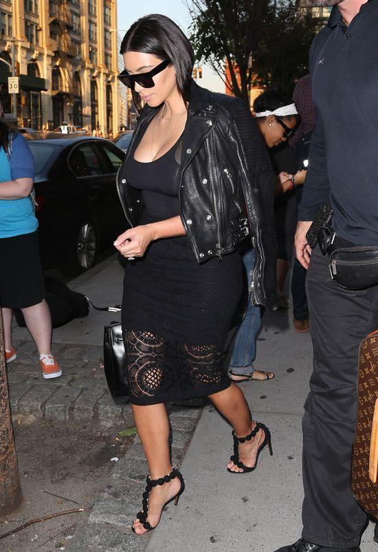 Dwie bardzo udane stylizacje Kim Kardashian (FOTO)