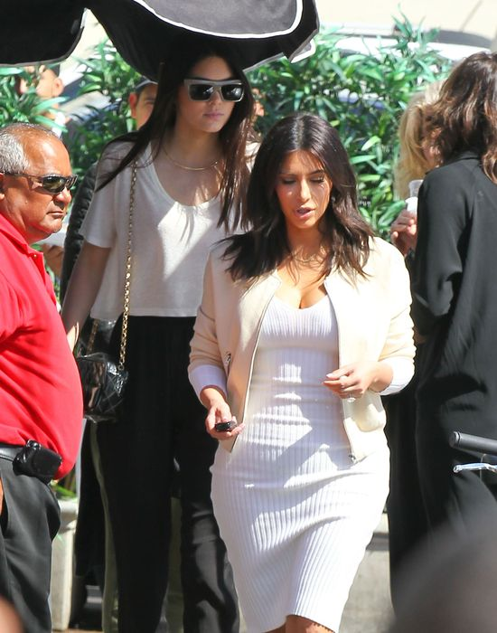 Kim Kardashian poszła w ślady siostry i zdjęła doczepy!