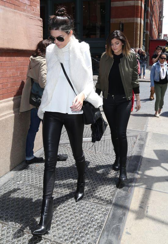 Siostry Jenner-Kardashian błyszczą w Nowym Jorku (FOTO)