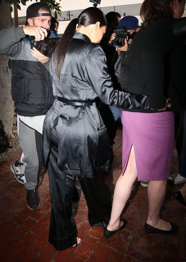 Kim Kardashian wyszła z domu w piżamie?! (FOTO)