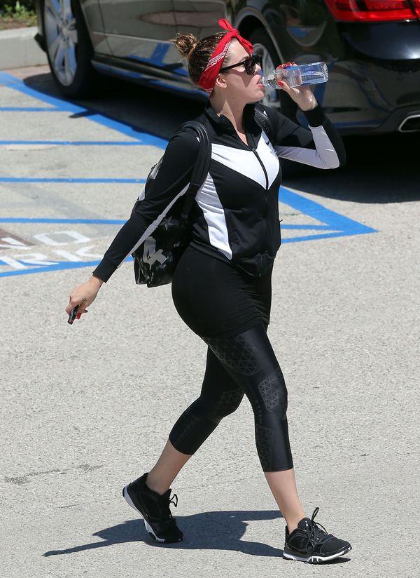 Khloe Kardashian nie odpuszcza wizyt na siłowni! (FOTO)