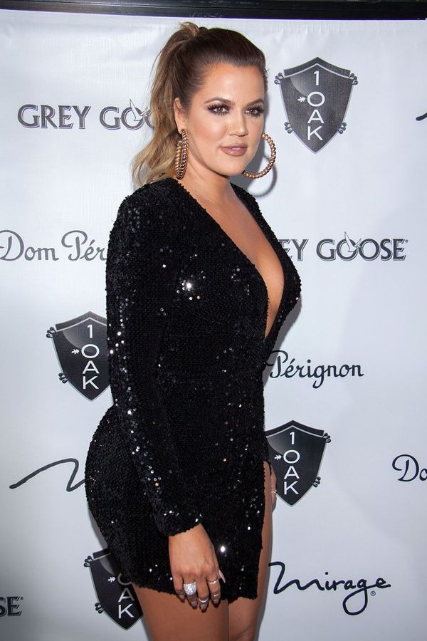 Khloe Kardashian w tej mini nie czuła się zbyt komfortowo?