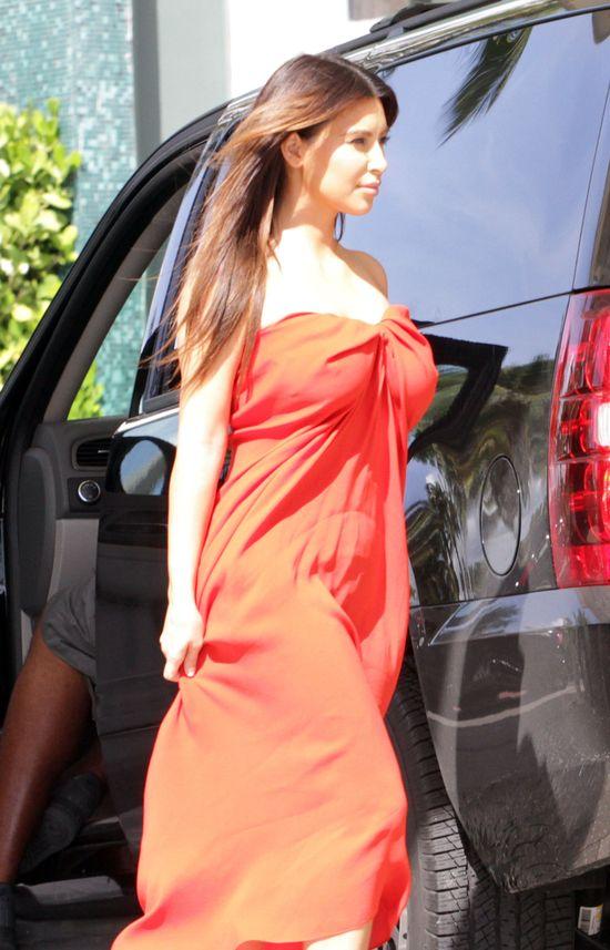 Kim Kardashian - gwiazda w czerwieni (FOTO)